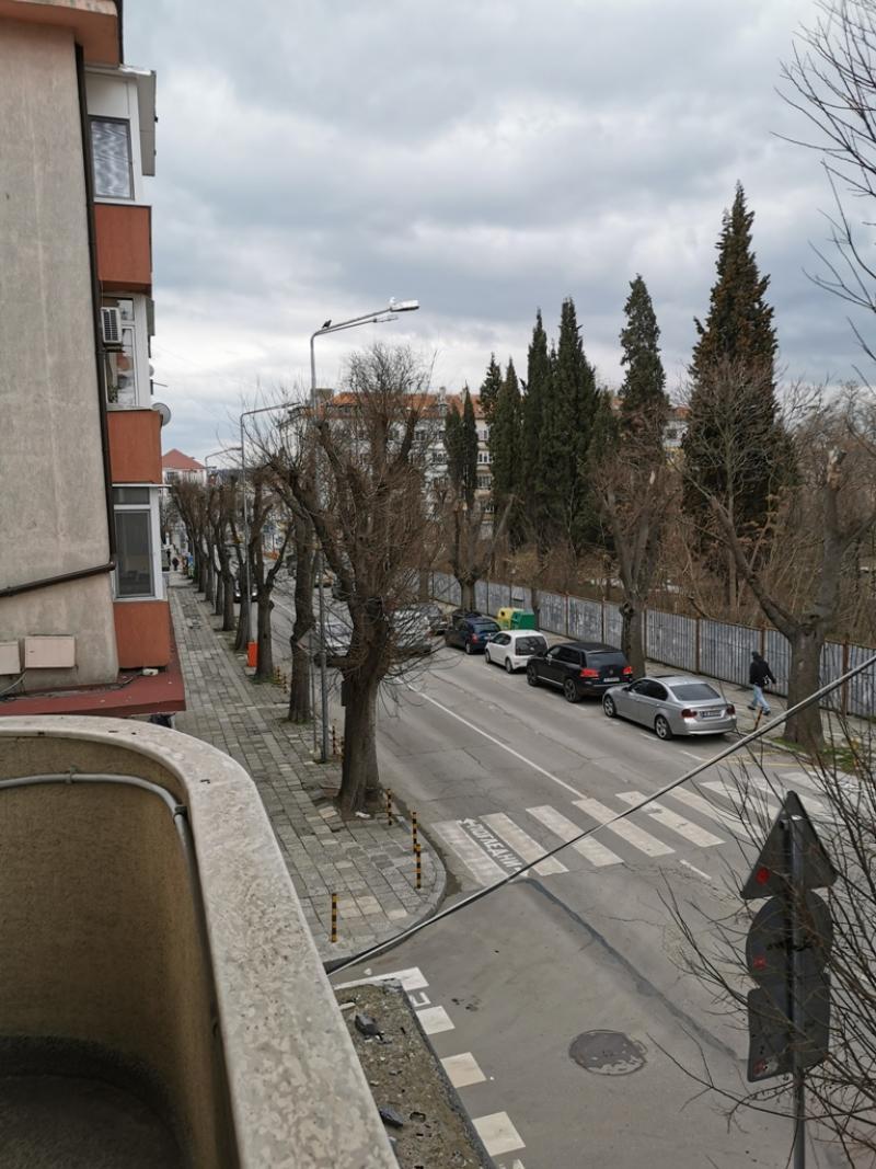 Апартамент с три спални Център Варна