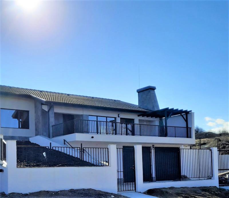 Слънчева къща с морска панорама
