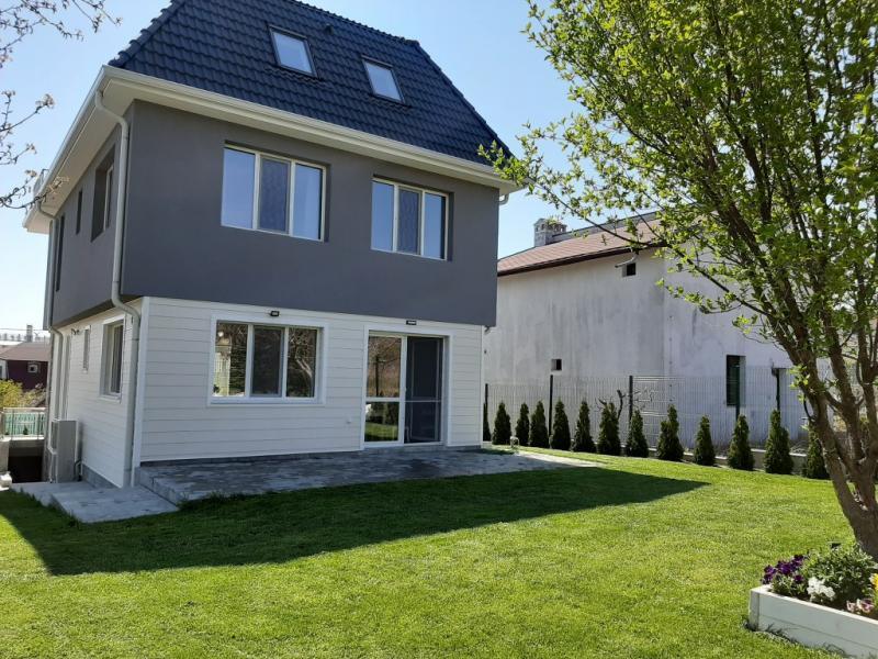 Sale House  -  500m²