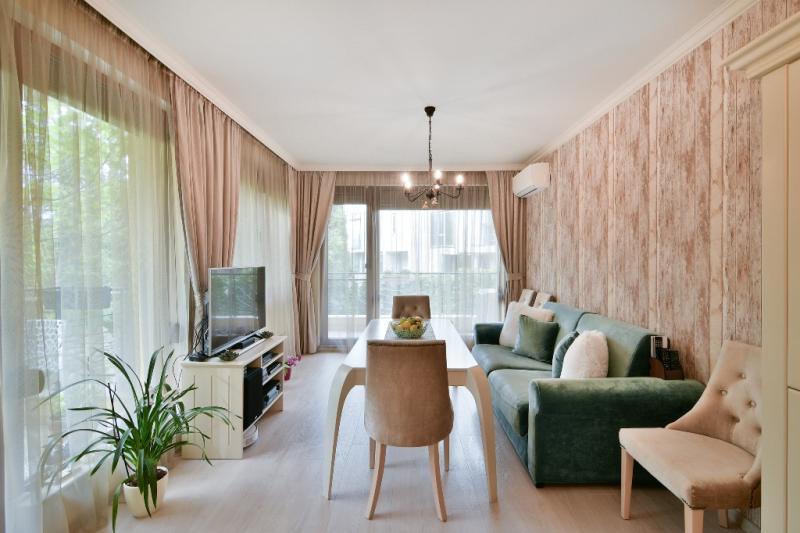 Романтичен тристаен апартамент