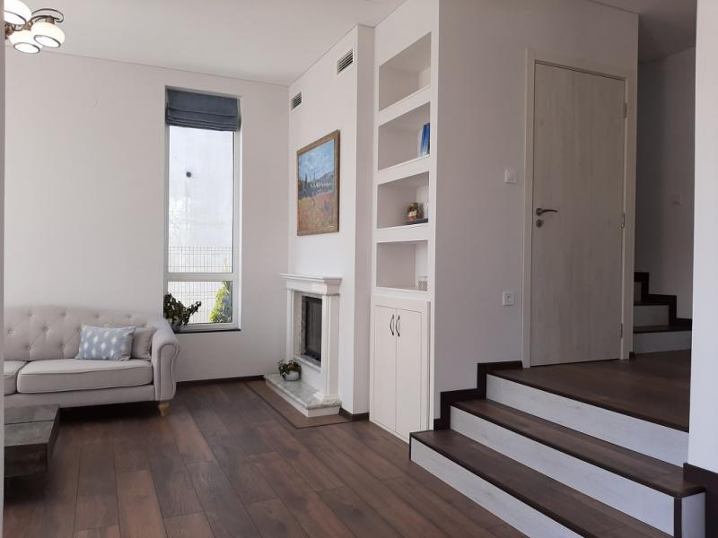 Продажба Къща  –  500m²